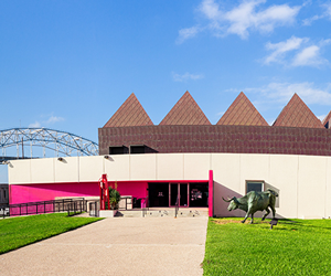 Art Museum of South Texas in Corpus Christi | Tour Texas
