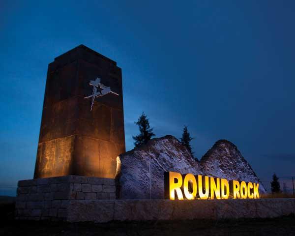 Round-Rock-RoundRockFwySign-TourTexas.jp
