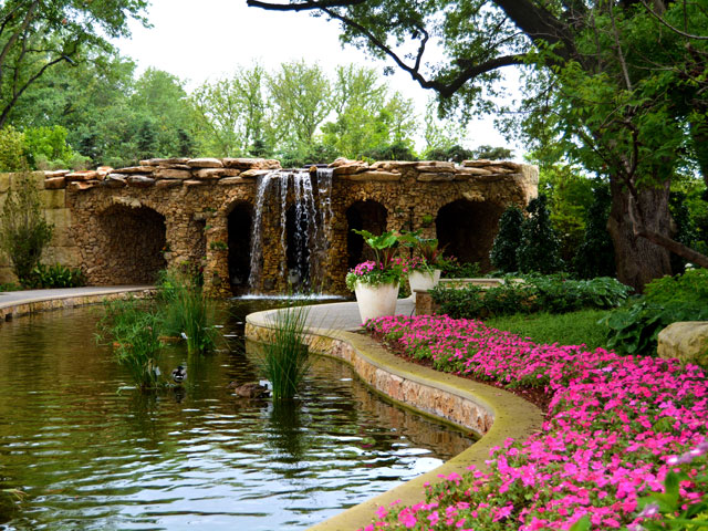 Beau The Dallas Arboretum And Botanical Garden Is A World Class Outdoor Oasis  Minutes From Downtown Dallas, Featuring 19 Finely Manicured Gardens, ...
